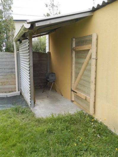 Location de vacances - Maison - Villa à Ploumoguer - abris vélos, barbecue etc...