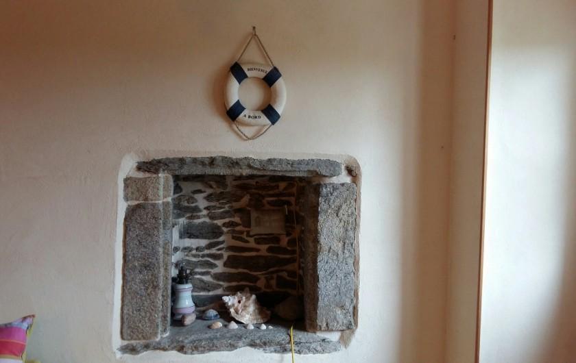 Location de vacances - Maison - Villa à Ploumoguer - Niche en pierre dans la salle à manger