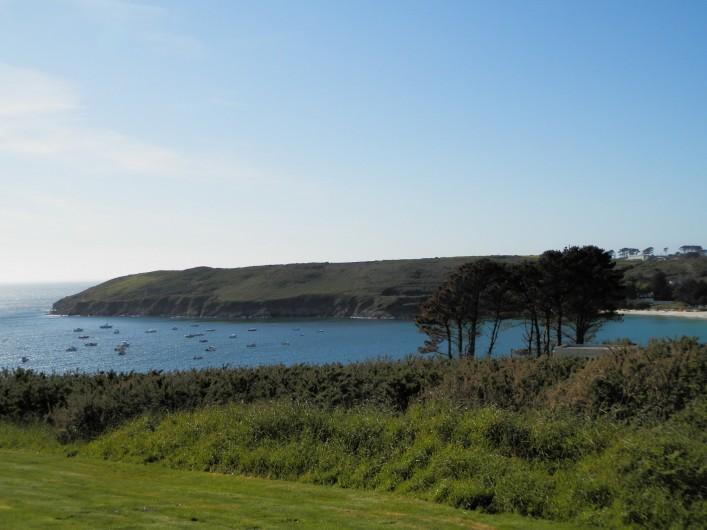 Location de vacances - Maison - Villa à Ploumoguer - La baie de Kerhornou et la plage au fond