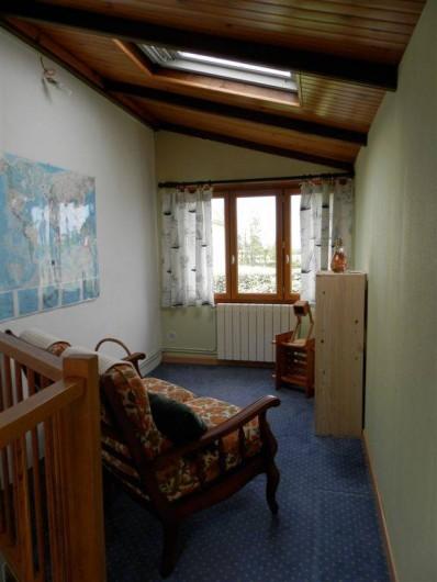 Location de vacances - Maison - Villa à Ploumoguer - Mezzanine - coin repos - lecture