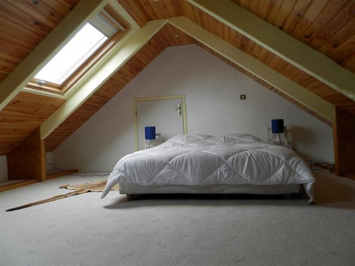 Location de vacances - Maison - Villa à Ploumoguer - Chambre mansardée - lit double