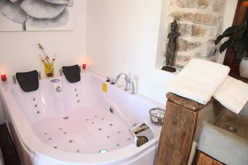Location de vacances - Chambre d'hôtes à Aigremont - Le Spa de la Suite