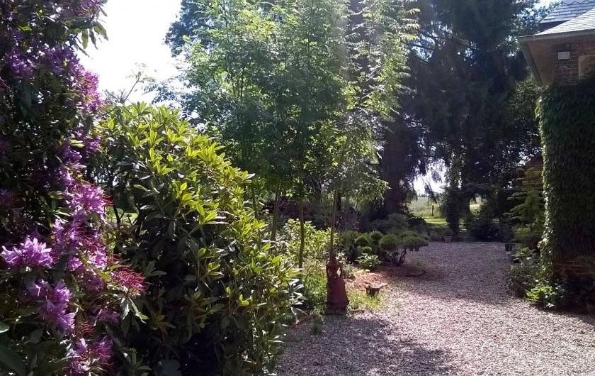 Location de vacances - Chambre d'hôtes à Bois-Guilbert - première entrée sur le jardin