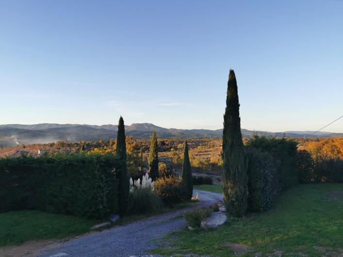 Location de vacances - Villa à Labeaume - piscine  avec vue sans vis à vis