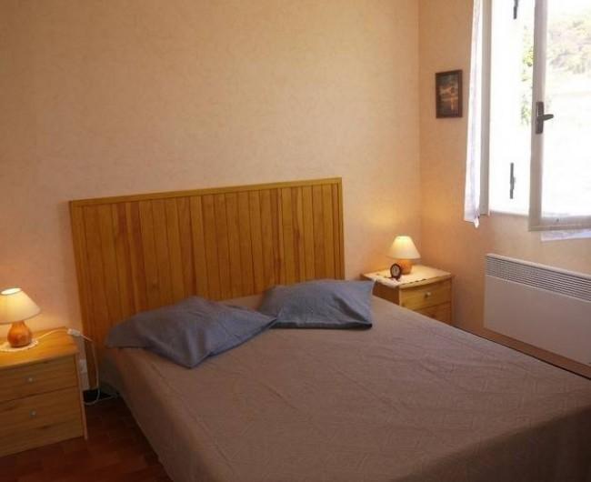 Location de vacances - Gîte à Castifao - chambre parentale +1 lit 1place