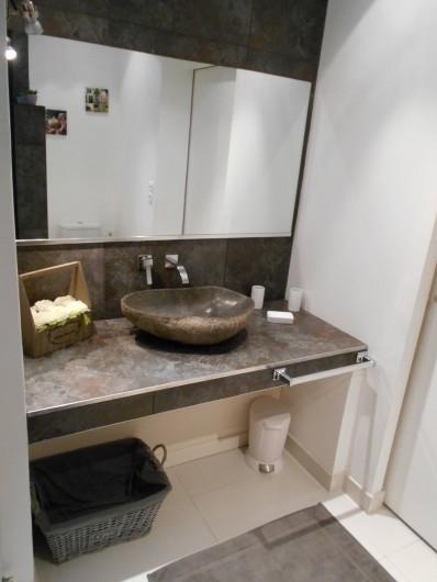 Location de vacances - Appartement à Marigot - Salle de bain avec très belle et grande douche à l'italienne