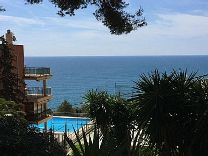 Location de vacances - Appartement à Salou - Piscine très proche de notre résidence 08 juillet et août seulement