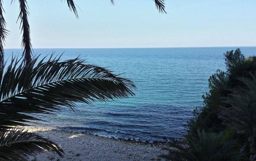 Location de vacances - Appartement à Salou - Plage galets à coté de la résidence