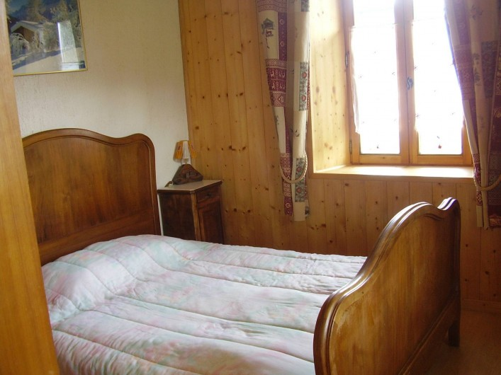 Location de vacances - Appartement à Combloux - chambre avec 1 lit 2 places