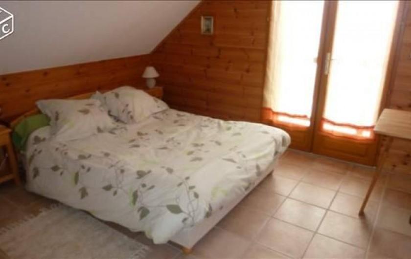 Location de vacances - Chalet à Crévoux - La chambre avec salle d'eau attenante