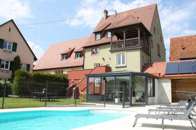 Location de vacances - Gîte à Pfaffenheim - Piscine chauffée et véranda avec accès sauna