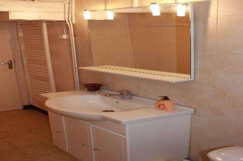 Location de vacances - Maison - Villa à Aignes - salle d'eau