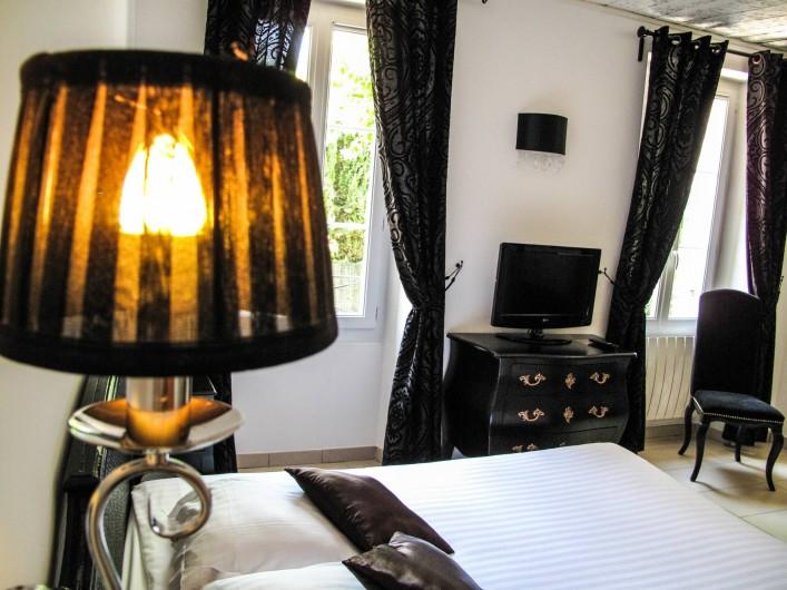 """Location de vacances - Hôtel - Auberge à Collobrières - La Suite Junior """"Onyx"""""""