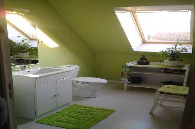 Location de vacances - Gîte à Saint-Omer - Salle d'eau étage