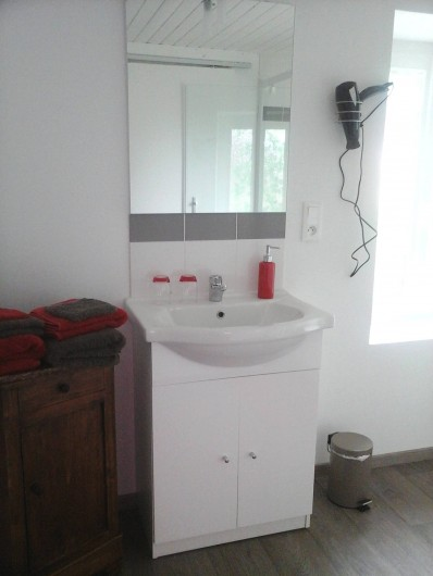 Location de vacances - Chambre d'hôtes à Les Essarts - salle d'eau hibou