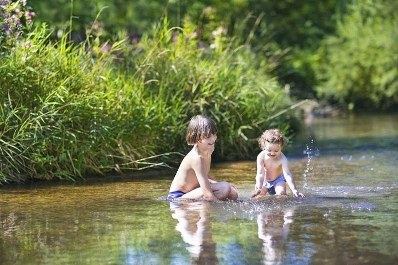 Location de vacances - Chalet à Lagrand - nos location a 10m de la rivière