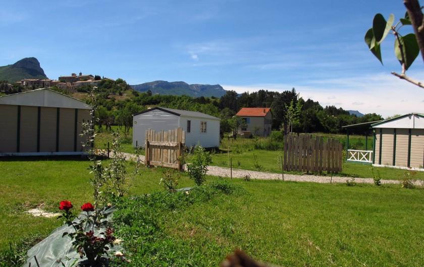 Location de vacances - Chalet à Lagrand - Les locations la grandsoleil  Dans un environnement calme et spacieux