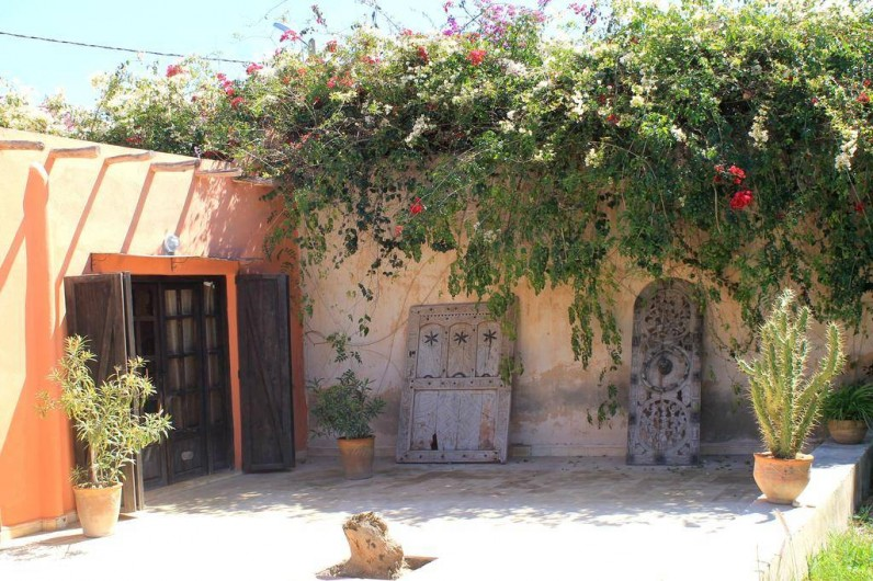Location de vacances - Chambre d'hôtes à Agadir - vue d une des chambres a partir de la terrasse