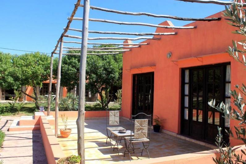Location de vacances - Chambre d'hôtes à Agadir - terrasse d un des bungalows