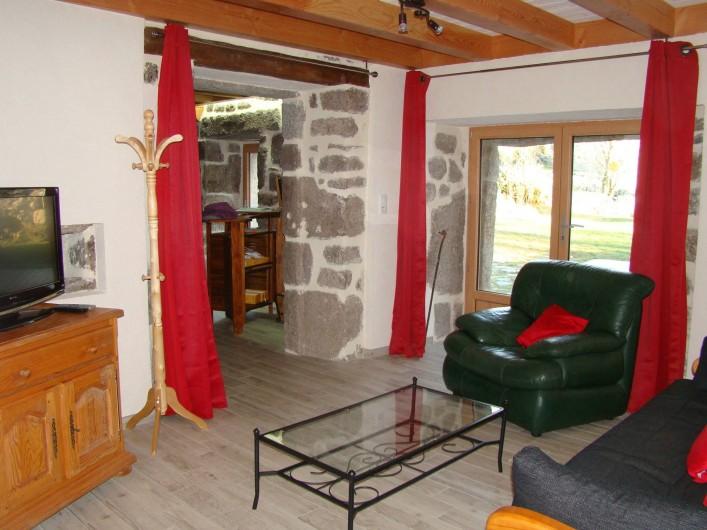 Location de vacances - Gîte à Marchastel - rez-de-chaussée : salon