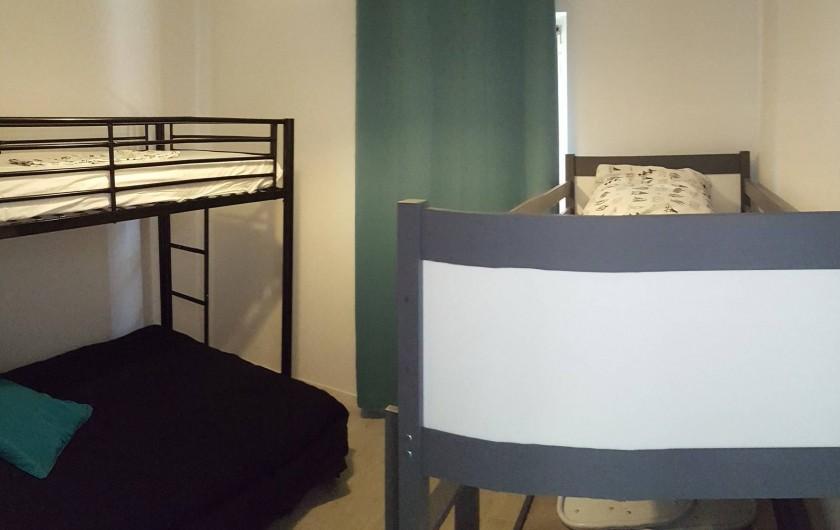 Location de vacances - Appartement à Sainte-Lucie de Porto-Vecchio - Chambre enfant - 1 lit superposé 140X190 - et 90X190 et un lit 160X80hambre