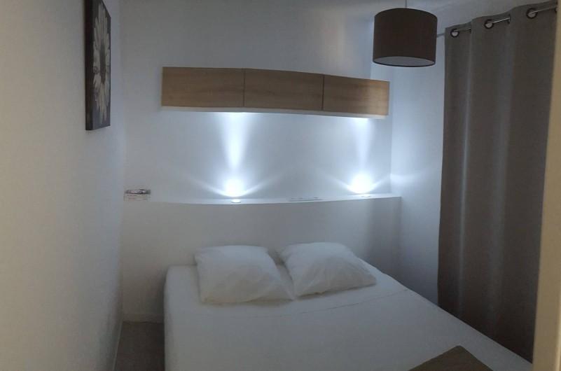 Location de vacances - Appartement à Sainte-Lucie de Porto-Vecchio - Chambre parent - lit 160 X 190