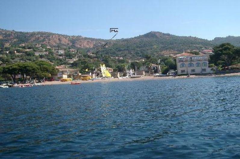 Location de vacances - Mas à Agay - Vue de la plage immédiatement accessible depuis la maison (350m) depuis la mer