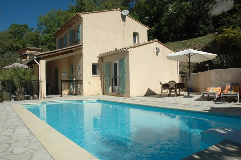 Location de vacances - Villa à Bagnols-en-Forêt - Vue de coté