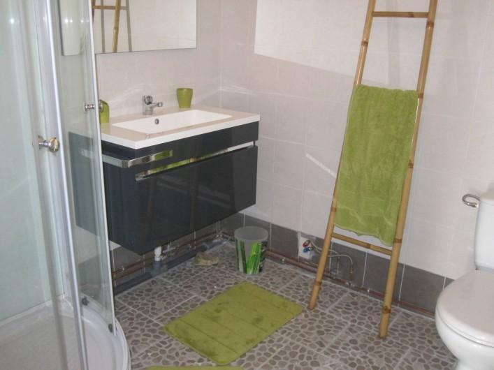 Location de vacances - Gîte à Epiniac - Salle de douche Bathroom