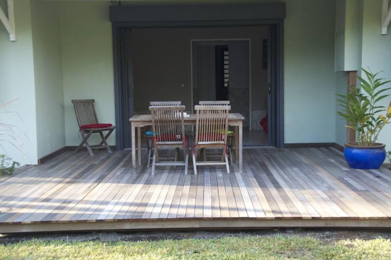 Location de vacances - Villa à Saint-Gilles les Bains - terrasse avant