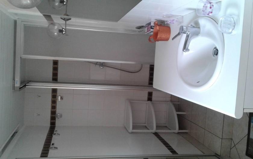 Location de vacances - Gîte à Tours-en-Vimeu - la salle de bain