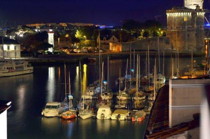 Location de vacances - Appartement à La Rochelle - Vue Port de nuit
