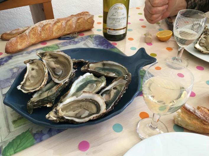 Location de vacances - Villa à Saint-Denis-d'Oléron - La gastronomie : les huitres