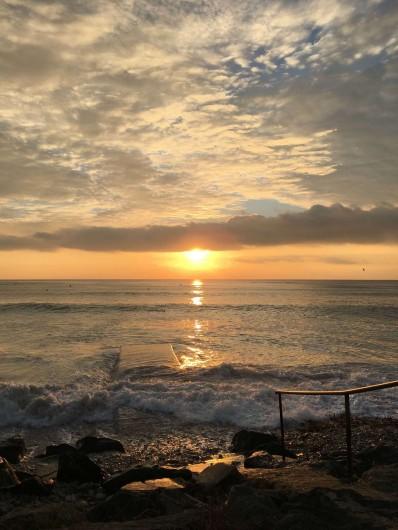 Location de vacances - Villa à Saint-Denis-d'Oléron - coucher de soleil sur la mer à 100m de la villa