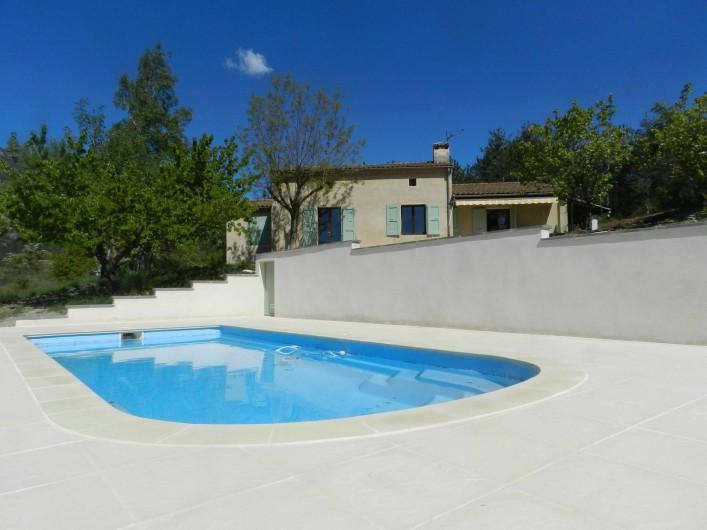 Location de vacances - Gîte à Saint-Roman - piscine