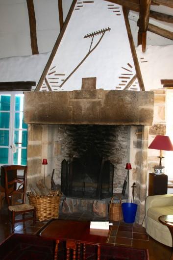 Location de vacances - Maison - Villa à Montagnac-sur-Lède - Cheminée du salon