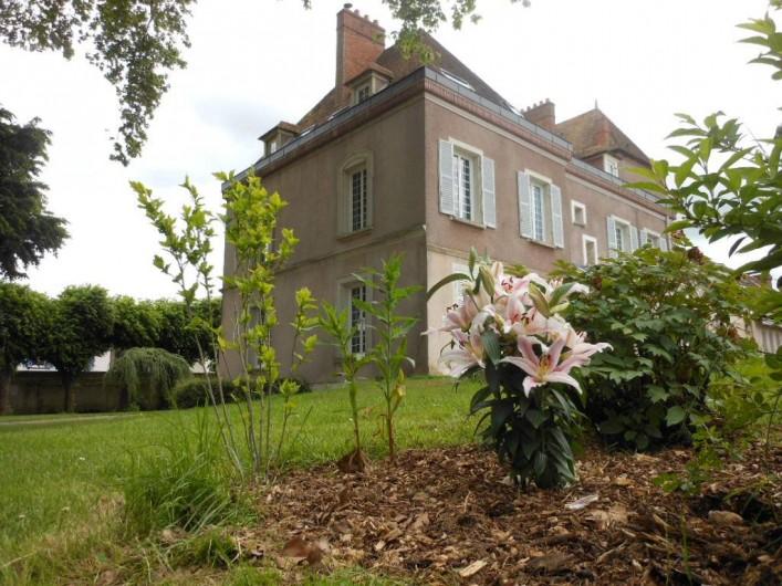 Location de vacances - Chambre d'hôtes à Bailleau-Armenonville - Façade arrière du Manoir