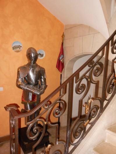 Location de vacances - Chambre d'hôtes à Bailleau-Armenonville - Escalier de l'entrée