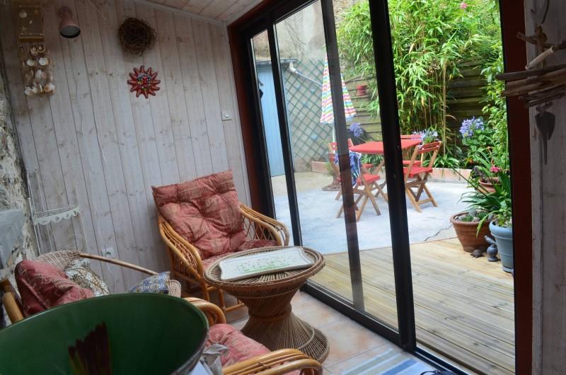 Location de vacances - Maison - Villa à Tréguier - arrière cuisine (coin de détente et de lecture face au Jardin)