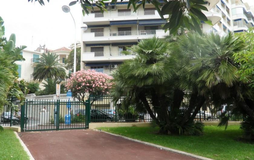 Location de vacances - Appartement à Cannes - IMMEUBLE LE ROCAMARE