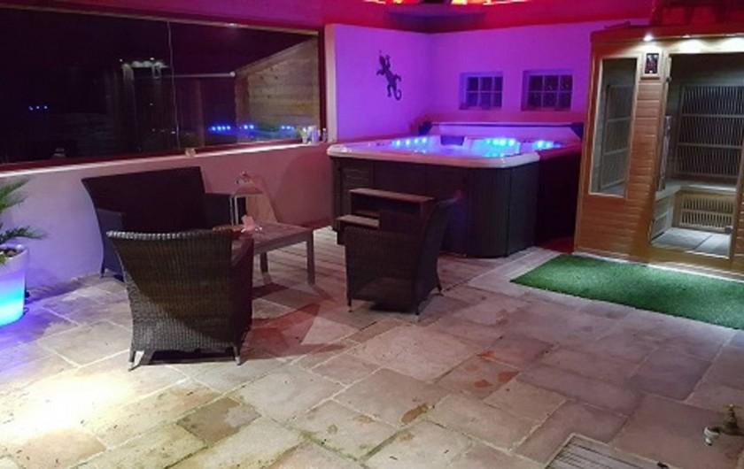 Location de vacances - Villa à Ploemel - l espace spa et sauna