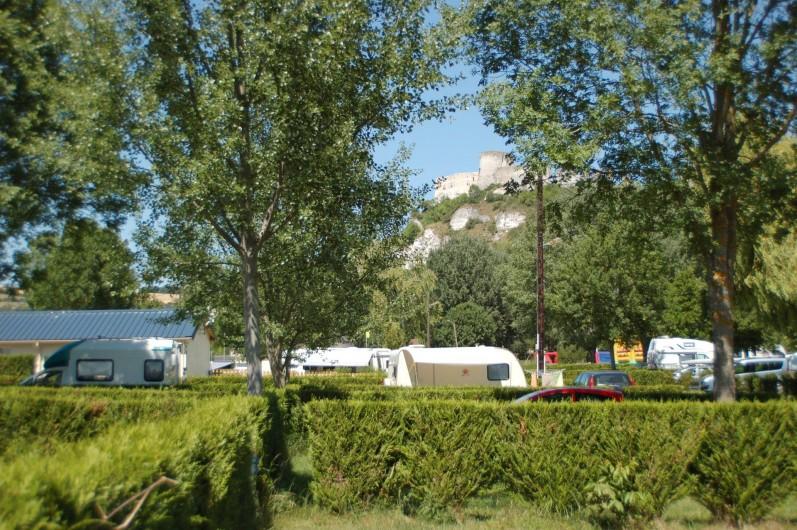 Location de vacances - Bungalow - Mobilhome à Les Andelys - Château Gaillard vu depuis le Camping