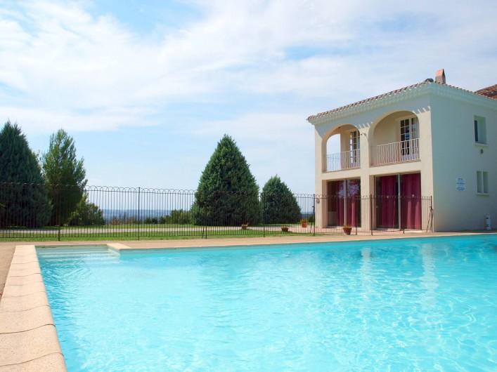 Location de vacances - Appartement à Airoux - ouverture du 15 juin au 15 septembre - bonne baignade