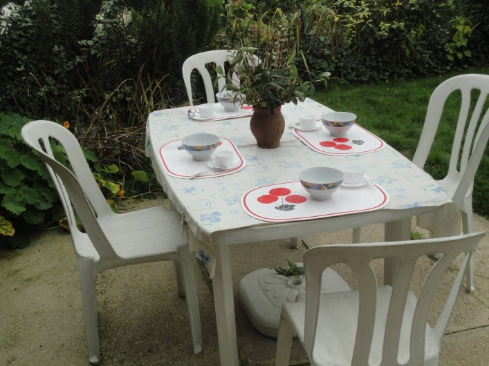Location de vacances - Gîte à Frencq - Table de jardin en terrasse