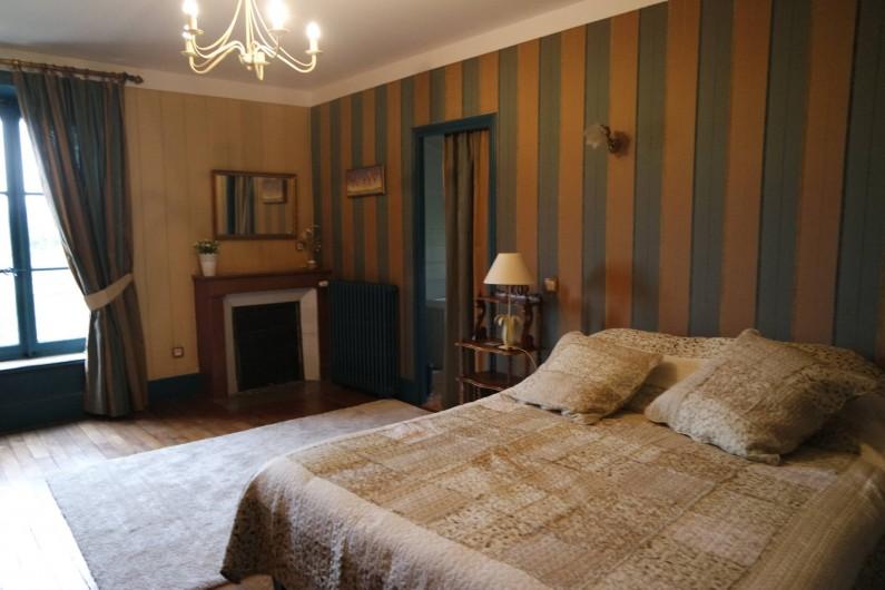 """Location de vacances - Villa à Andancette - Chambre du gîte: """"Au bonheur des Dames"""""""