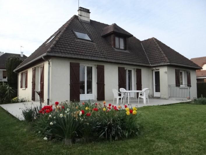Location de vacances - Villa à Cormelles-le-Royal - Vue d'ensemble