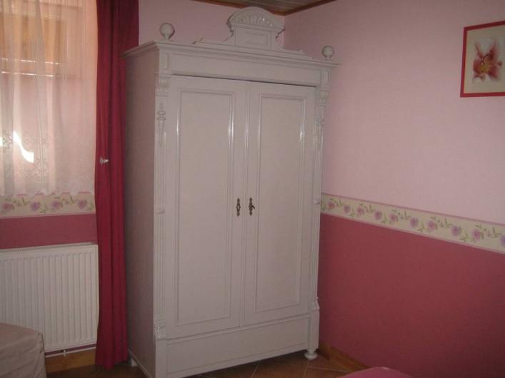 Location de vacances - Villa à Sondernach - armoire chambre du rdc
