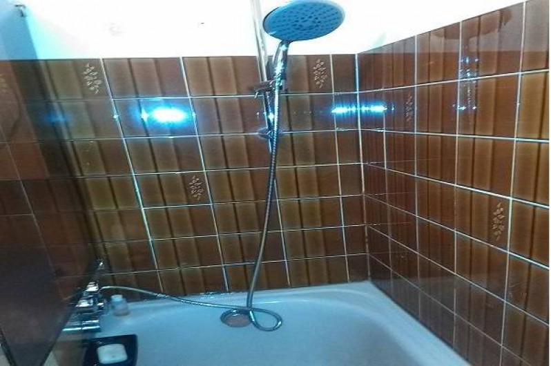 Location de vacances - Appartement à Saint-Mandrier-sur-Mer - baignoire