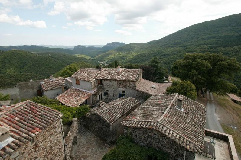 Location de vacances - Gîte à Cros - vue du hameau du buisson