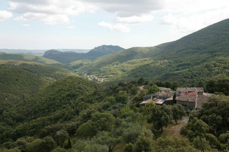 Location de vacances - Gîte à Cros - vue hameau et panorama